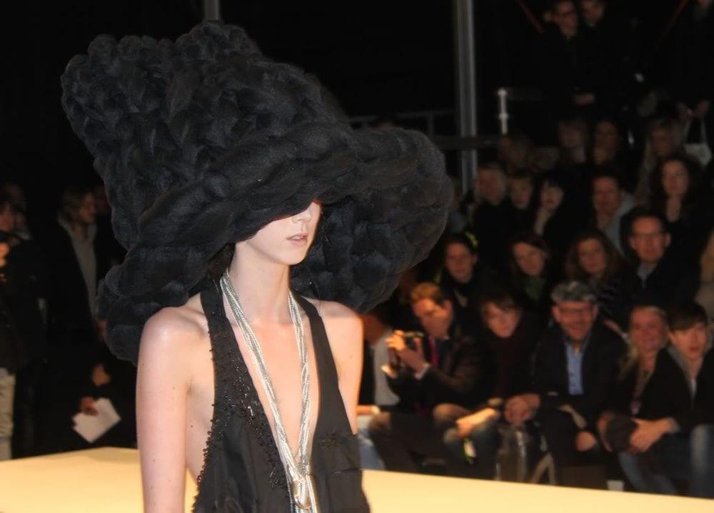 Med Hat På