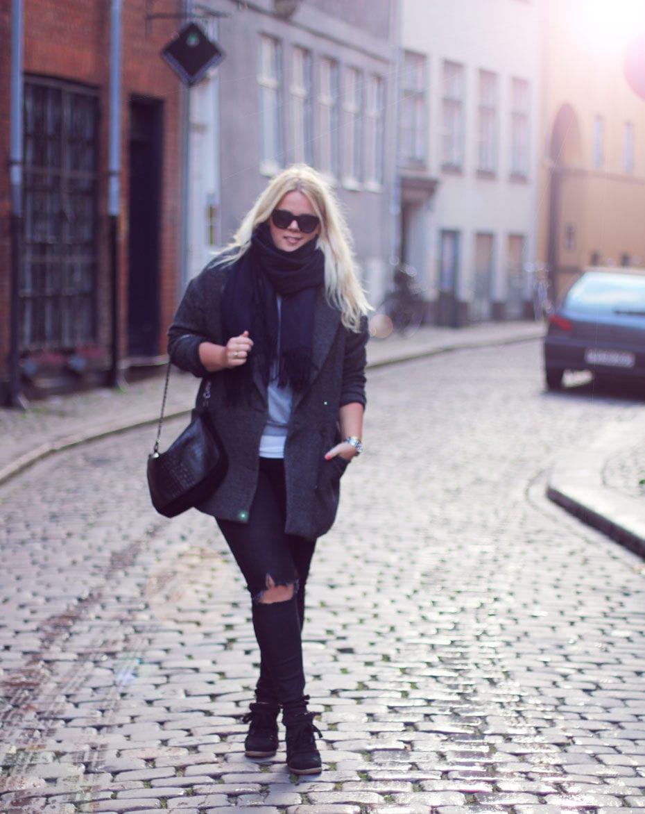 Outfit // Doven søndag i Selected Femme frakke