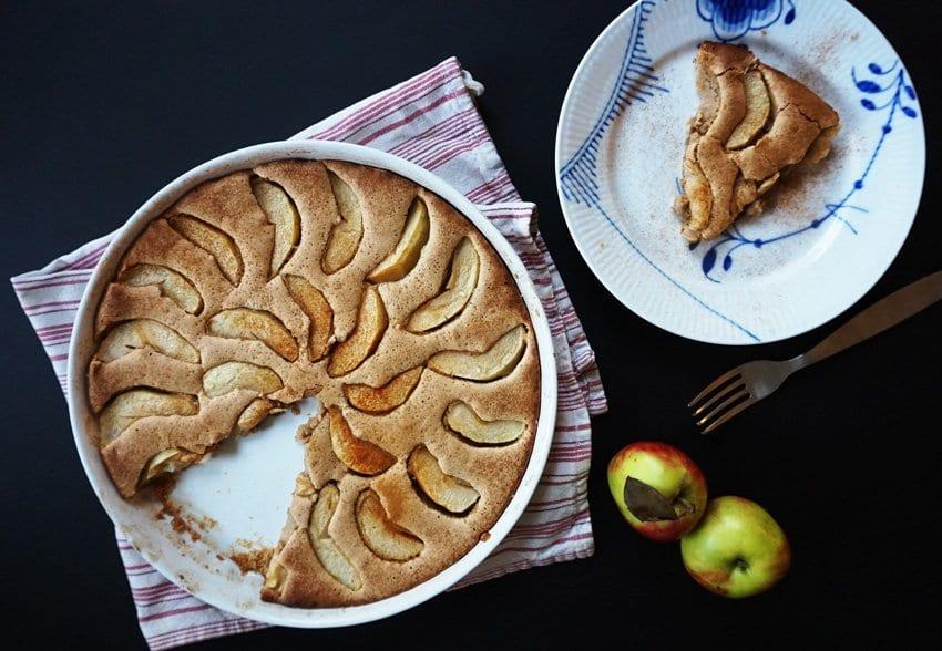 OPSKRIFT <i>- enkel og lækker æblekage</i>