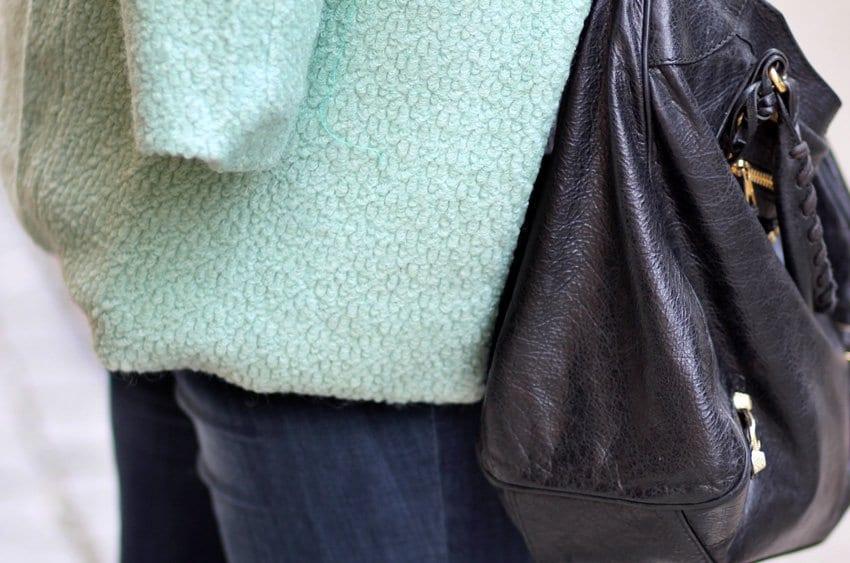 OUTFIT <i>- Søndagsshopping i mint frakke</i>