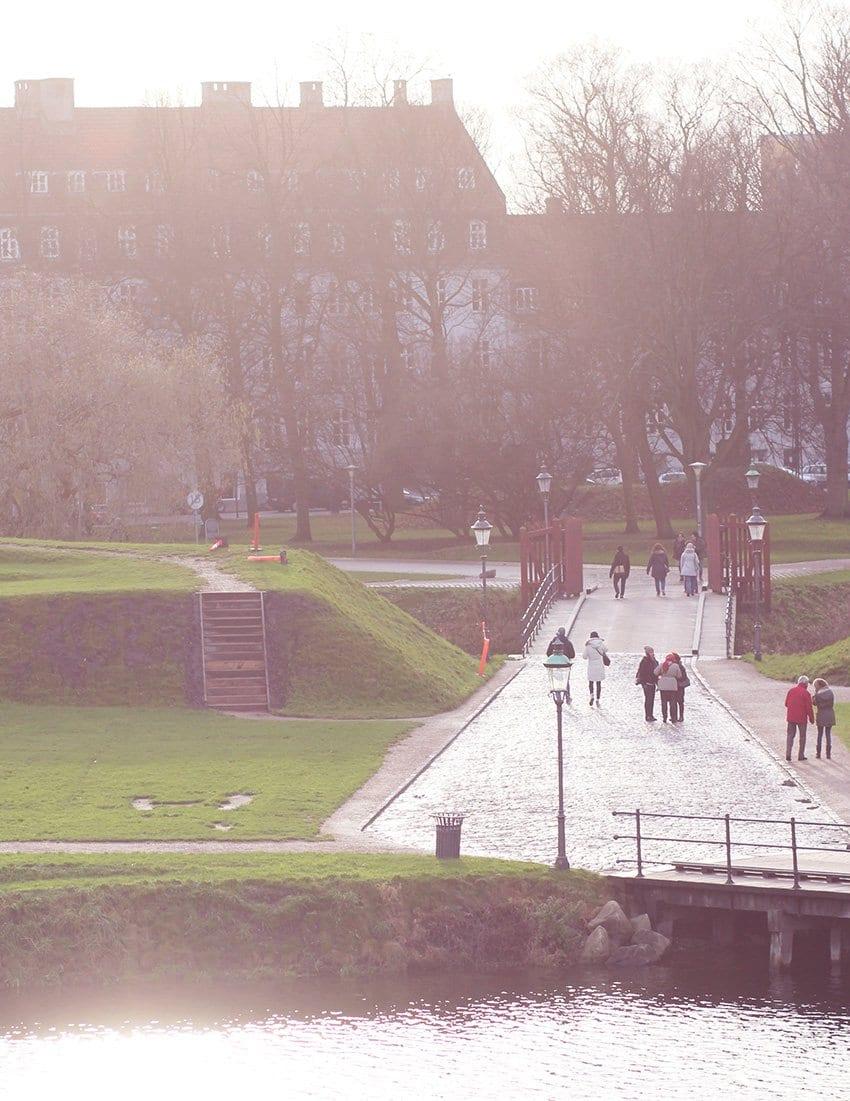 SØNDAGS-OUTFIT <i>- og en tur om Kastellet</i>