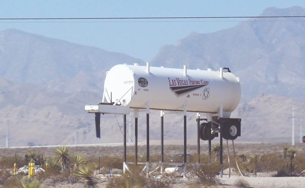 ROADTRIP - benzintanke og vandtårne..