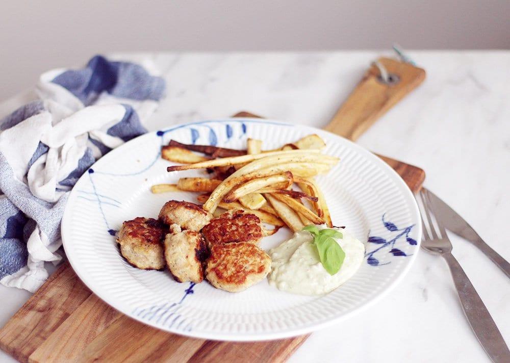 Hverdagsmad: Pastinak-fritter med avocado-dip