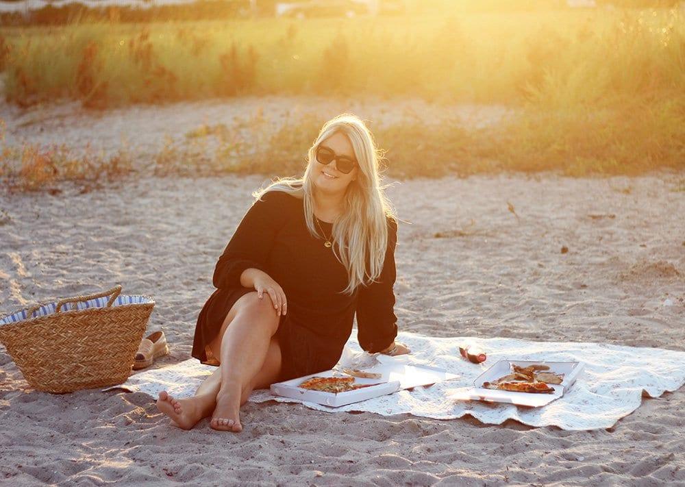 datenight-pizza-pa?-stranden-weekday-peplum-kjole