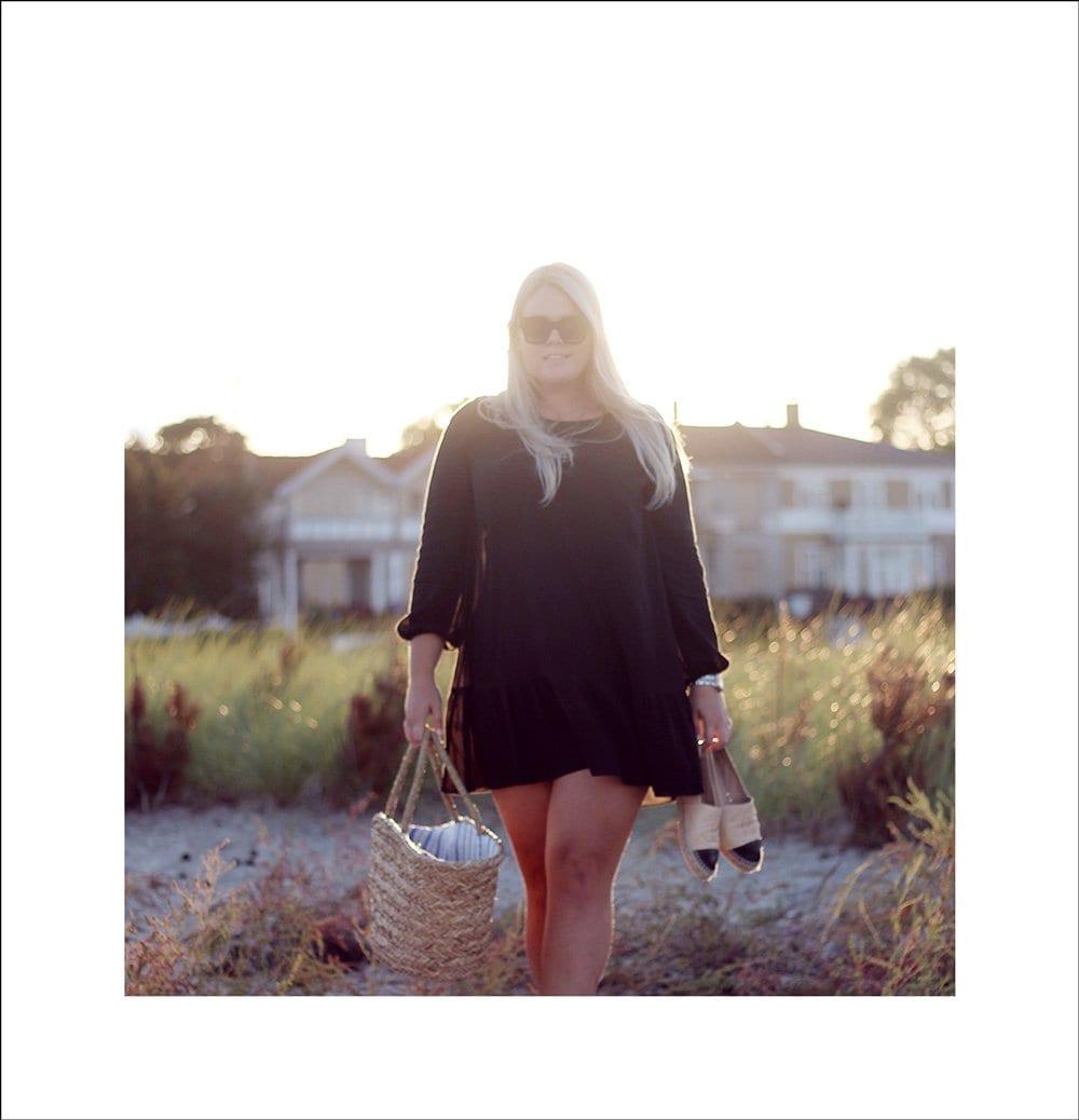 1-datenight-pizza-pa?-stranden-weekday-peplum-kjole-chanel-espadriller-nude