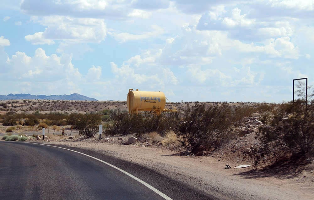 roadtrip-benzintanke-og-vandtaarne5
