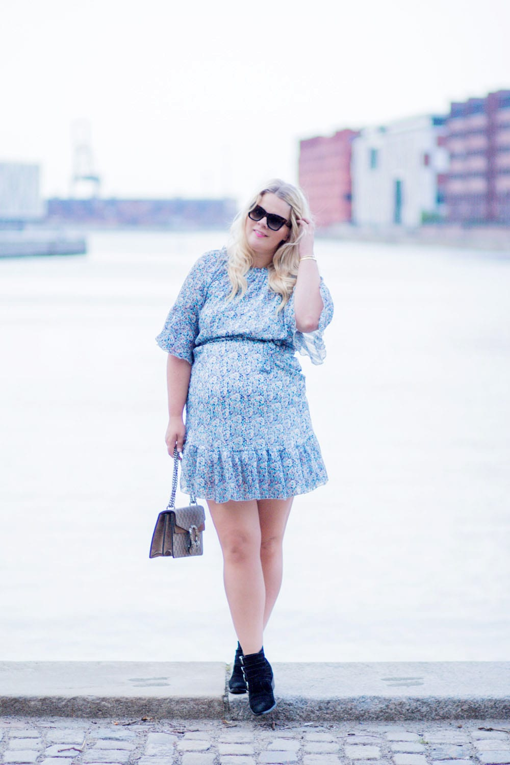 floral-off-shoulder-dress-berg-oesterbro-9-of-9