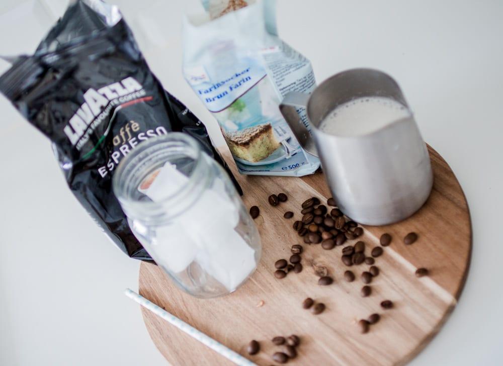 opskrift-nem-cremet-iskaffe-8-of-13