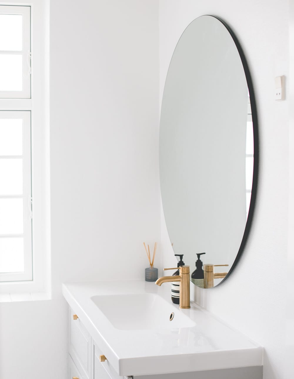 room-makeover-badevarelse-bathroom-budget-messing-4-of-12